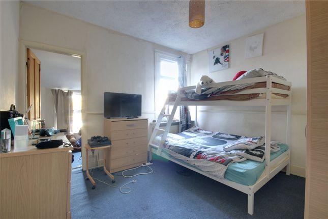 Picture No. 02 of James Street, Enfield EN1