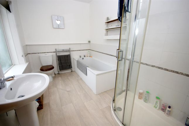 Bathroom of Catherine Street, Brighouse HD6