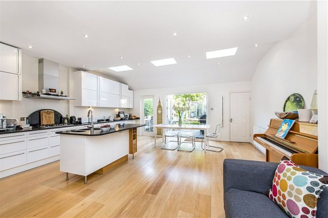 Thumbnail Terraced house to rent in Elfindale Road, London