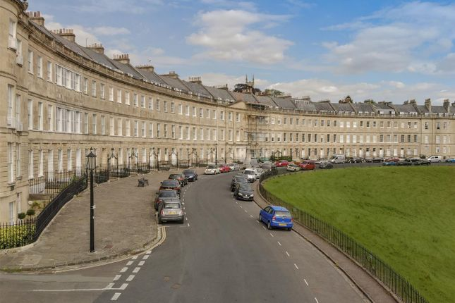 Thumbnail Flat to rent in Lansdown Place West, Bath