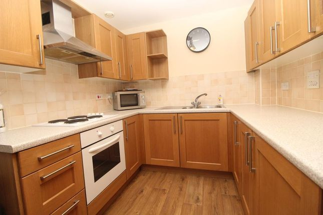Thumbnail Flat for sale in Maltings Close, London