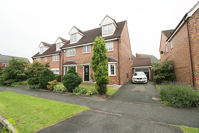 Thumbnail Detached house for sale in Cherwell Road, Westhoughton
