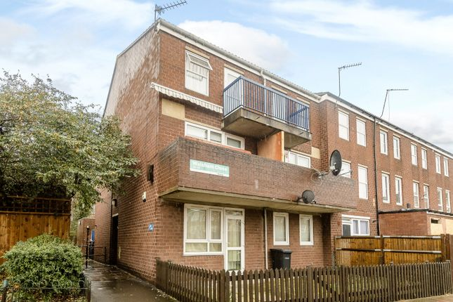 Thumbnail Flat for sale in Walsham Close, London