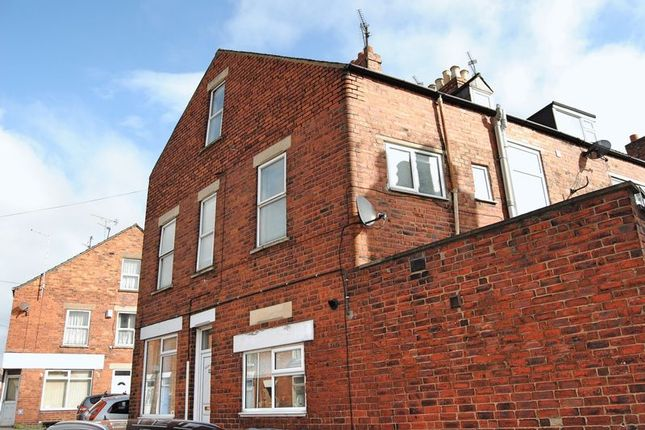 Thumbnail Flat to rent in Dudley Road, Grantham