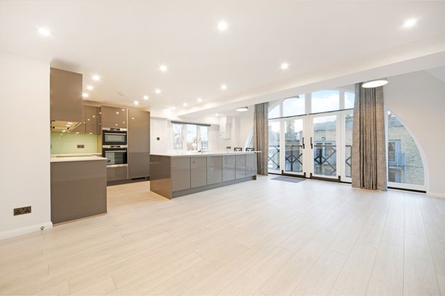Thumbnail Flat to rent in Hermitage Court, Knighten Street, London