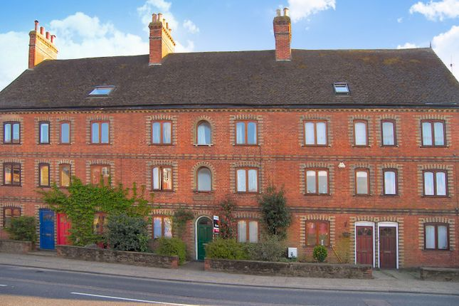 Thumbnail Flat to rent in Cussies Row, Petersfield Road, Midhurst