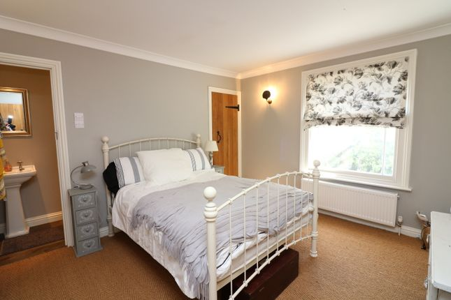 Barn conversion to rent in New Street, Sandwich, Kent