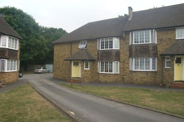 Thumbnail Flat to rent in Waldegrave Court, Upminster