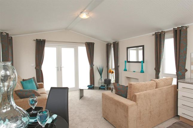 Thumbnail Mobile Park Home For Sale In Spring London Road Shadingfield