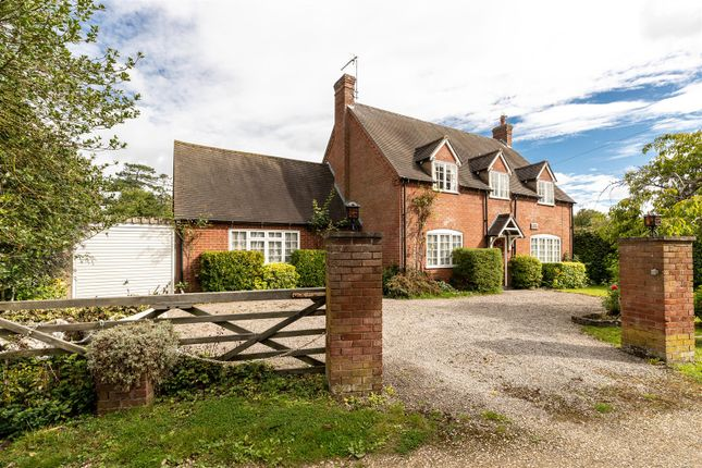 CV348Xg-3 of Dormer Cottage, Pebworth, Stratford-Upon-Avon CV37