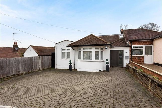 Thumbnail Bungalow for sale in Derwent Avenue, Barnet, Hertfordshire