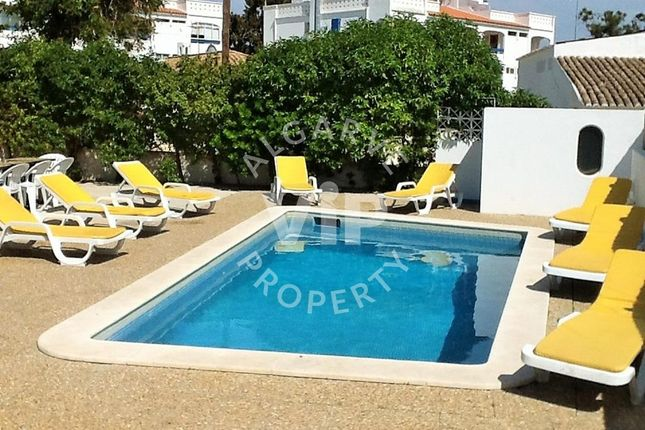 5 bed villa for sale in Albufeira, Portugal