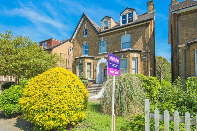 Thumbnail Flat for sale in Thicket Road, Penge
