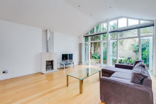 Thumbnail Mews house for sale in Berrymede Road, London