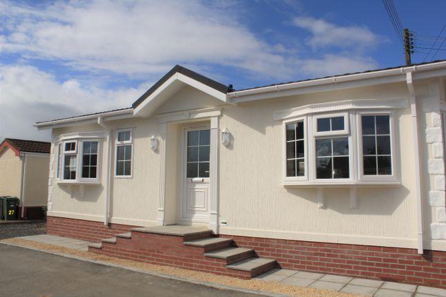 Thumbnail Mobile/park home for sale in Hutton Park, Hutton Moor Lane, West Wick, Weston-Super-Mare
