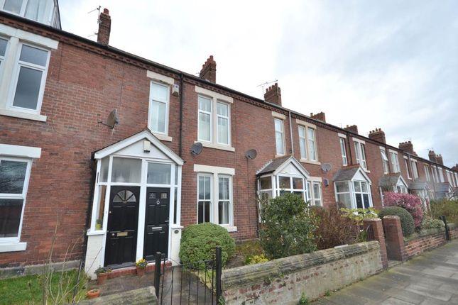 2 bed flat to rent in Birtley Avenue, Tynemouth, Tyne & Wear NE30