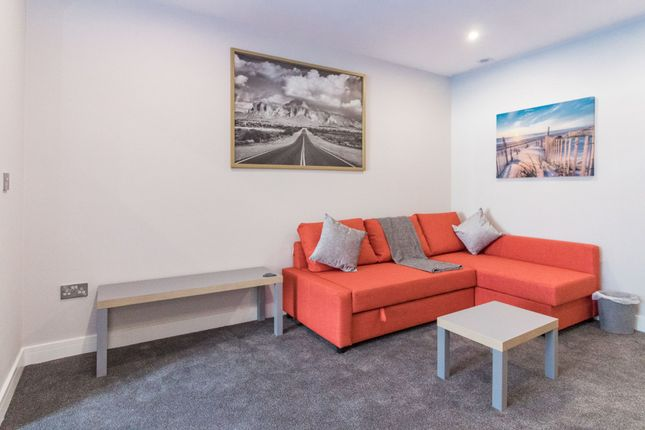 Thumbnail Flat to rent in Flat 3, Copley Road
