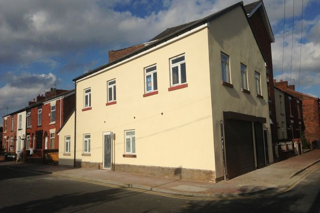 Thumbnail Flat to rent in Ashworth Street, Denton