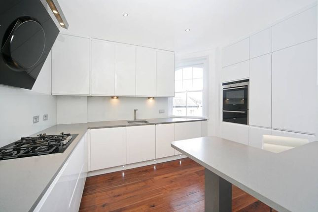 Flats to Let in Queen's Club Gardens, London W14