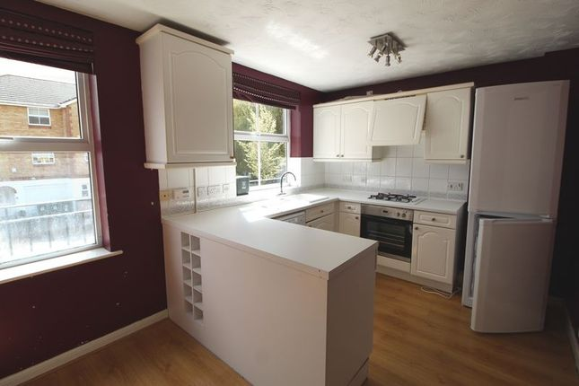 Town house to rent in Swan Mead, Hemel Hempstead