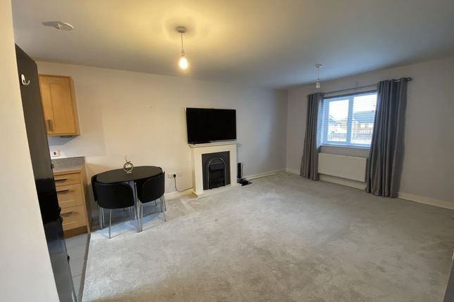 Thumbnail Flat to rent in Conqueror Drive, Gillingham