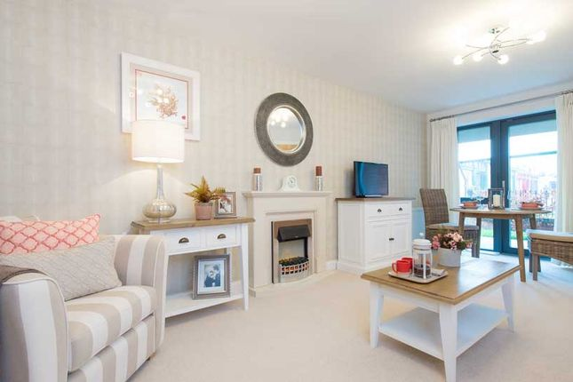 2 bedroom flat for sale in Keeper Close, Taunton