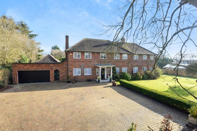 Thumbnail Detached house for sale in Silchester, Reading