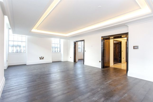 Thumbnail Flat to rent in 10 Whitehall Place, St James, London