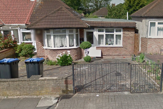Thumbnail Bungalow to rent in Chaplin Road, Wembley