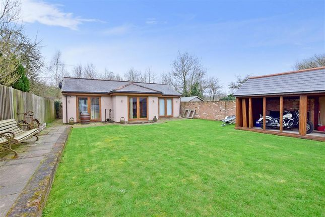 Thumbnail Semi-detached house for sale in Lenham Heath, Lenham Heath, Kent