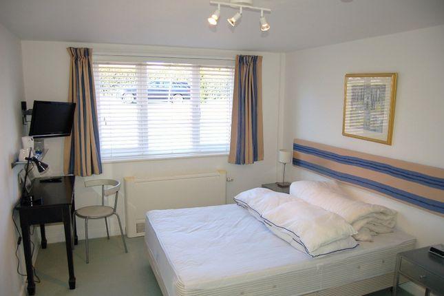 Guest Room 4 of Moniton Estate, West Ham Lane, Basingstoke RG22