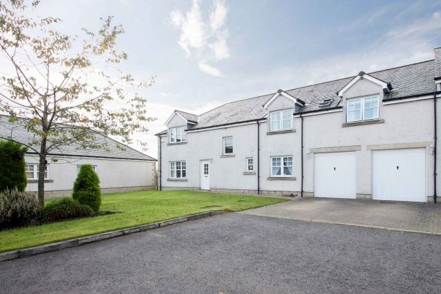 Thumbnail Farmhouse for sale in Craigowmill, Milnathort, Kinross