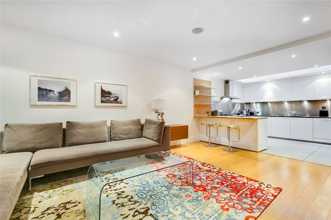 Thumbnail Mews house to rent in Vantage Place, London