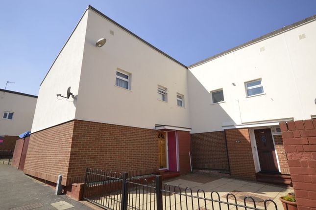 Thumbnail Semi-detached house to rent in Robin Place, Boundary Way, Watford