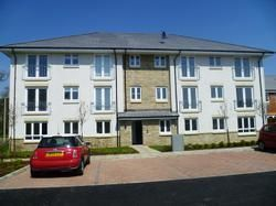 2 bed flat to rent in Mcdonald Street, Dunfermline KY11