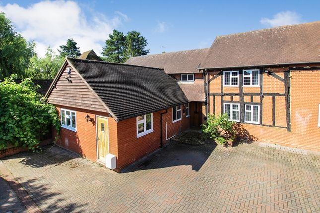 4 bed semi-detached house to rent in Hunters Barn Stanbridge Road, Tilsworth, Leighton Buzzard LU7