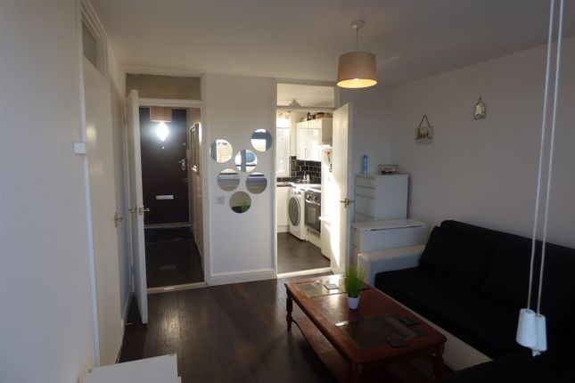 Thumbnail Flat for sale in Layard Square, London