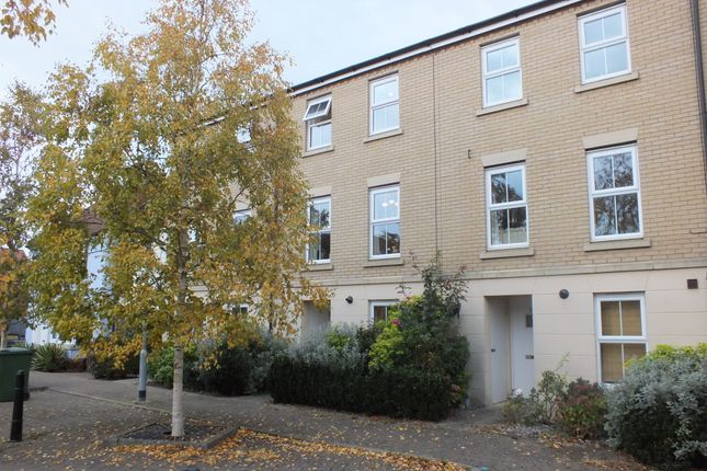 Thumbnail Town house to rent in Mortiner Way, Witham, Essex