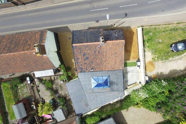 Thumbnail Detached house for sale in Avenue Road, Wymondham