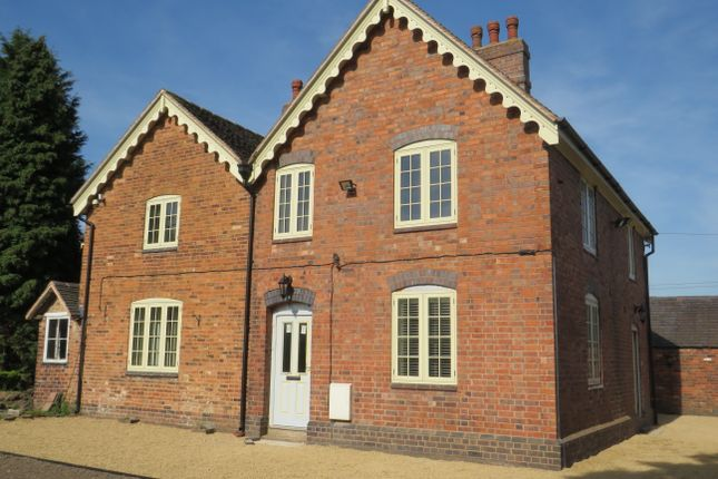 Thumbnail Semi-detached house to rent in Plantation Lane, Mile Oak, Tamworth