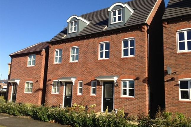 Thumbnail Property to rent in Sunbeam Way, Coventry