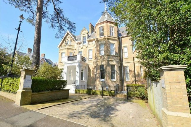 Thumbnail Flat to rent in Knyveton Road, Bournemouth