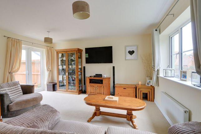 Living Room of Larkspur Drive, Newton Abbot TQ12