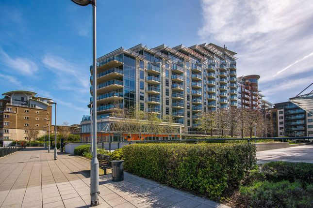 Thumbnail Flat to rent in Battersea Reach, Wandsworth