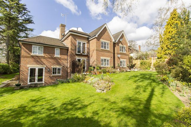 Thumbnail Flat for sale in Somersall Lane, Walton, Chesterfield