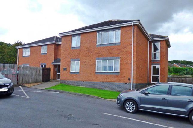 Thumbnail Flat to rent in Allwood House, Bromsgrove Road, Worcestershire