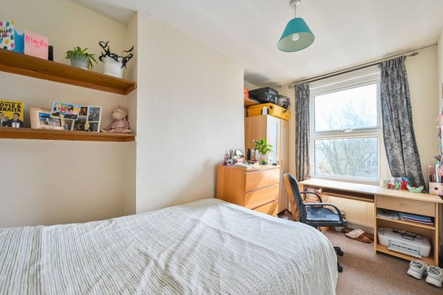 Thumbnail Property to rent in Kingsdown Road, Archway, London