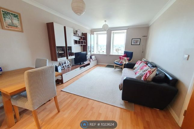 Thumbnail Flat to rent in Solent Court, Norbury