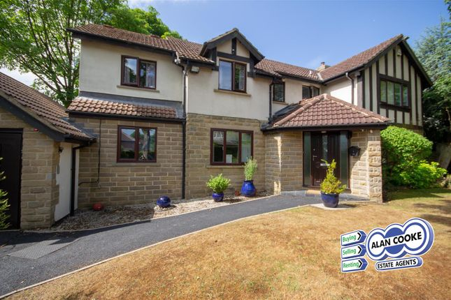 Thumbnail Detached house to rent in Crescent View, Alwoodley, Leeds