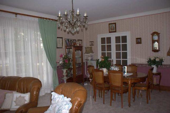 Poitou charentes vienne saint saviol 3 bedroom property for Garage ad civray